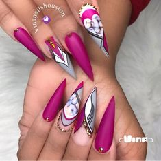 World-beauty.us The best new Polish colors and trends plus gel manicures, ombre nails ,and nail art ideas to try. Get tips on how to give yourself a manicure Cute Acrylic Nails, Acrylic Nail Designs, Nail Art Designs, Creative Nail Designs, Fabulous Nails, Gorgeous Nails, Pretty Nails, Dope Nails, Bling Nails
