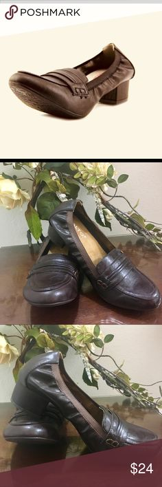 "Rialto Courtney Comfort Shoes. NWOT The Rialto Courtney Casual Shoes feature a Synthetic upper with a Round Toe . The Man-Made outsole lends lasting traction and wear.  Heel is 1 1/2"" Rialto Shoes Flats & Loafers"