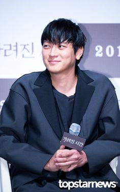 [HD포토] 강동원 웃는것도 귀여워 #topstarnews