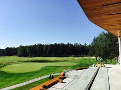 Вклубном доме Pine Creek Golf Resort находится уютный ресторан премиум класса с каминным залом. Великолепные пейзажи и виды гольф-полей, которые можно созерцать из ресторана или летней террасы делают это место уникальным для отдыха и деловых встреч. http://xn--e1agiku.consolidator.travel/Place/Yekaterinburg.htm