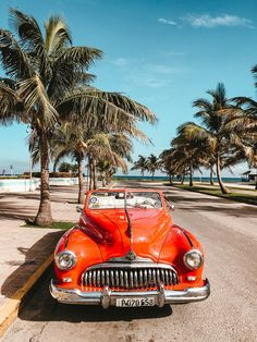 There are so many places to have good food in Havana. Want to know about the best Restaurants in Havana then visit Viaje Atelier to meet your required needs. Retro Cars, Vintage Cars, Vintage Travel, Vintage Style, Carros Vintage, Cuba Itinerary, Varadero Cuba, Cuba Travel, Where To Go