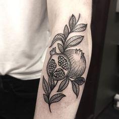 @tattoocrazy123 Dream Tattoos, Time Tattoos, Future Tattoos, Tattoo You, All Tattoos, Flower Tattoos, Tatoos, Tattoo Sketches, Tattoo Drawings