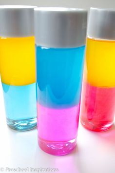 How to Make Color Changing Sensory or Discovery Bottles by Preschool Inspirations Make a color mixing sensory bottle for sensory play, learning about colors, or just for fun! These are perfect for all ages. Sensory Bottles Preschool, Sensory Table, Baby Sensory, Sensory Bins, Sensory Play, Sensory Boards, Sensory Bottles For Toddlers, Diy Sensory Toys, Multi Sensory