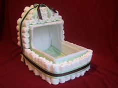 Directions for Diaper Bassinet Baby Shower Nappy Cake, Regalo Baby Shower, Baby Shower Baskets, Baby Shower Deco, Baby Shower Crafts, Baby Shower Diapers, Baby Shower Themes, Baby Boy Shower, Diaper Stroller