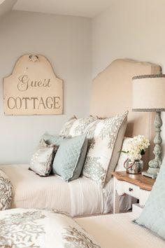 { guest room }