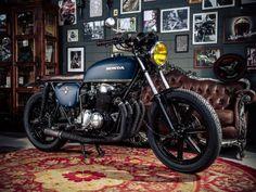 Há alguns anos, a onda retrô tem influenciado o mercado global de motos. Motociclistas, oficinas independentes e marcas buscaram inspirações em modelos antigos para customizar suas motos ou lançar ...