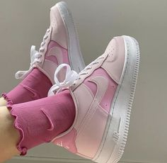 Dr Shoes, Cute Nike Shoes, Swag Shoes, Cute Nikes, Nike Air Shoes, Hype Shoes, Me Too Shoes, Pink Nike Shoes, Pink Shoes Outfit