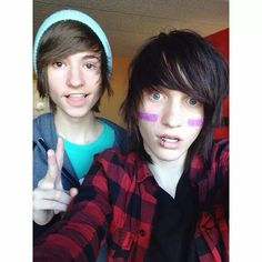 Kyle David Hall and Johnnie Guilbert! Those two are so adorable Cute Emo Boys, Emo Guys, Scene Guys, Emo Scene, Kyle David Hall, Our World Away, Emo Pictures, Shannon Taylor, Bryan Stars