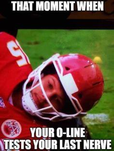 Kansas City Chiefs Football, Nfl Football, College Football, Football Players, Football Helmets, Stupid Funny Memes, Funny Relatable Memes, Superbowl Champions, Jokes
