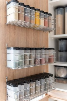 Kitchen Cupboard Organization, Kitchen Storage Hacks, Kitchen Pantry Design, Kitchen Organization Pantry, Spice Organization, Home Organisation, Kitchen Cupboards, Kitchen Ideas, Tupperware Organizing