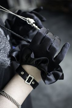 Cropped Satin Ruffle Glove with Buckle