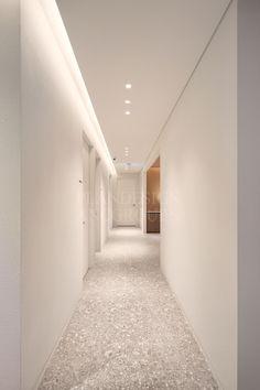 Ceiling Design, Wall Design, Casa Milano, Arch Light, Hospital Architecture, Corridor Lighting, Corridor Design, Retail Interior Design, Townhouse Designs