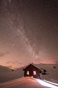 The Voss mountains, Norway, The Vola hut by Espen Haagensen