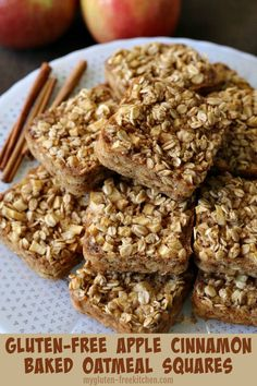 gluten free breakfasts Looking for a yummy, healthy, and hearty make-ahead gluten-free breakfast? These gluten-free apple cinnamon baked oatmeal squares can be made one day and enjoyed for breakfast the next few days!They're dairy-free too! Gluten Free Recipes For Breakfast, Gluten Free Breakfasts, Gluten Free Desserts, Dairy Free Recipes, Dinner Recipes, Dinner Ideas, Dairy Free Oatmeal Recipes, Pasta Recipes, Gluten Free Breakfast Casserole