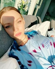 Descendants, Dove Cameron Style, Bright Blue Eyes, Cimorelli, Natural Makeup Looks, Glossy Lips, Sweet Girls, Pretty Face, American Actress