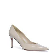 Beige pumps lakleer  Description: Pumps horen in elke schoenencollectie thuis! Deze beige pumps van het merk Manfield zijn aan de buitenzijde van lakleer en de aan de binnenzijde van leer. Door de spitse neus hebben de pumps een klassieke en vrouwelijke uitstraling. De maat valt normaal en de hakhoogte is 75 cm gemeten vanaf de hiel.  Price: 90.99  Meer informatie  #manfield