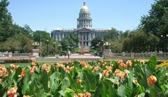 Planning a trip to Denver, Colorado? Here are the best free things to do in Denver recommended by a local. Romantic Things To Do, Free Things To Do, Fun Things, Amazing Things, Monte Carlo, Denver Restaurants, Romantic Restaurants, Denver Real Estate, Luxembourg Gardens