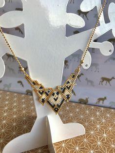 Le chouchou de ma boutique https://www.etsy.com/fr/listing/489819644/collier-plastron-perles-miyuki-fait-main
