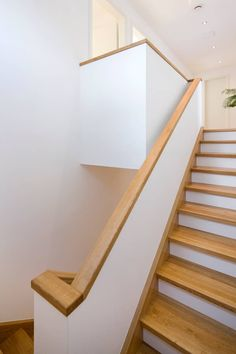 Staircase: Modern hallway, hallway & stairwell by puschmann architektur Wood Working Bedroom - w Home Stairs Design, Interior Stairs, Interior Design Living Room, Modern Hallway, Modern Stairs, Design Your Dream House, House Design, Stair Well, Halls