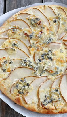 Reall about homade pizza recipes. - Pizza Recipes to Delight - Pizza Vegetarian Pizza Recipe, Vegan Recipes, Cooking Recipes, Italian Snacks, Italian Recipes, White Pizza Recipes, Veggie Pizza, Pizza Pizza, Pear Pizza
