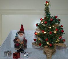 Kerstboom met kerstman