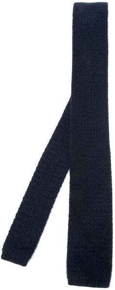 €60, Dunkelblaue Strick Krawatte von Eleventy. Online-Shop: farfetch.com. Klicken Sie hier für mehr Informationen: https://lookastic.com/men/shop_items/316420/redirect