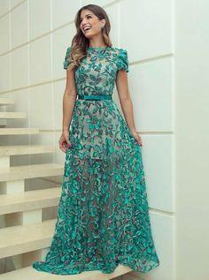 Vestido madrinha casamento · vestido verde com manga curta vestido rendado, vestido florido, vestido chique, vestido de Mint Prom Dresses, Cheap Prom Dresses, Unique Dresses, Lovely Dresses, Simple Dresses, Formal Dresses, Dress Prom, Schneider, Occasion Dresses
