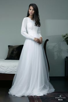Latest ideas and help for modest wedding dresses! This will help you to work your aesthetic to your tastes without actually having to get the diamonds. Modest Wedding Dresses With Sleeves, Wedding Dresses 2018, Country Wedding Dresses, Dress Wedding, Party Dresses, Occasion Dresses, Lace Wedding, Temple Dress, Best Gowns