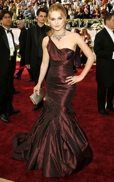 Iconic red carpet gowns Keira Knightley Oscars 2006