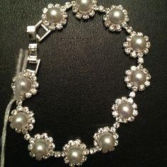 NWT beautiful Bracelet Gorgeous! Sparkling Elegance Jewelry Bracelets