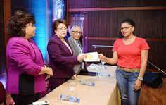 Con 385 becas otorgadas al ITSC, ubicado en la comunidad de San Luis,  Santo Domingo Este,  y con 185 al Oscu San Valero, en Los Guarícanos