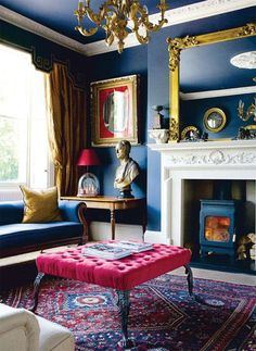 Elegant vintage looking blue room with pink velvet coffee table || @pattonmelo