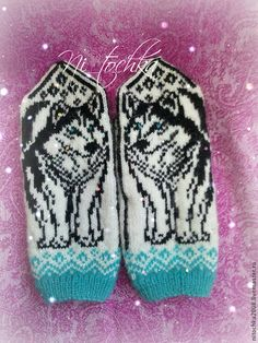 No pattern: Inspiration Knitted Mittens Pattern, Knitted Cat, Knit Mittens, Knitted Gloves, Knitting Socks, Hand Knitting, Knitting Patterns, Wrist Warmers, Fair Isle Knitting