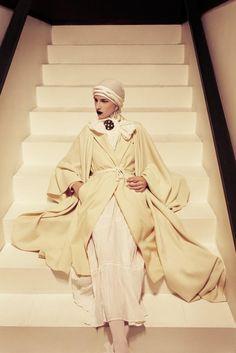 Dusan's studio 2 p. (also w/ model Marlon Nicolau) (Encens Magazine) Fashion Wear, Modest Fashion, Trendy Fashion, Vintage Fashion, Womens Fashion, Fashion Tips, Winter Fashion, Tamara Lempicka, Classy Women