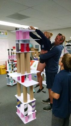 Building towers with scrap. Gloucestershire Resource Centre http://www.grcltd.org/scrapstore/