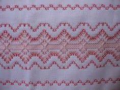Duelo de Ideias: artesanato em vagonite e trançado em fita Swedish Embroidery, Types Of Embroidery, Cross Stitch Embroidery, Embroidery Patterns, Hand Embroidery, Cross Stitch Patterns, Huck Towels, Swedish Weaving Patterns, Chicken Scratch Embroidery