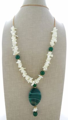 Green agate necklace pendant necklace white mother by Sofiasbijoux