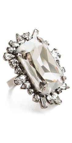 gorgeous costume jewelry ring!