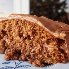 Sjokoladekake i fra gamledager. American Cake, Something Sweet, Cake Cookies, Baked Goods, Banana Bread, Nom Nom, Food Porn, Food And Drink, Cooking Recipes