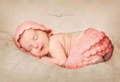 Tushie up. Newborn photography. Baby girl.