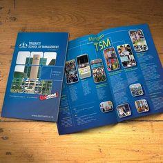 Desain Brosur Trisakti School of Management versi 1 oleh www.SimpleStudioOnline.com | Order desain brosur profesional >> WA : 0813-8650-8696