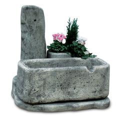 Fontana in pietra ricostruita, mod. Dolomiti 80, antichizzata. Patio Plans, Cement, Stone, Plants, Projects, Outdoor, Brick, House, Ideas
