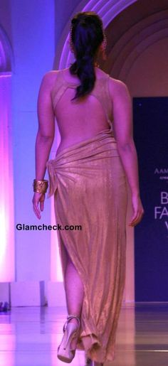 Alia Bhatt at The Azva Show India Bridal Fashion Week 2013