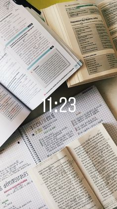 acoffeewithlucie: french and french literature. Study Pictures, Study Photos, School Goals, College Notes, Pretty Notes, Study Space, Study Hard, Studyblr, Study Motivation