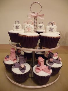 womens shoes clearance to love. High Heel Cupcakes, Shoe Cupcakes, Ice Cream Cupcakes, Fondant Cupcake Toppers, Yummy Cupcakes, Fondant Cakes, Cupcake Cakes, Cup Cakes, Girly Cakes