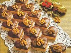 Likérová srdíčka Baking Recipes, Cookie Recipes, Toffee Bars, Wedding Appetizers, Czech Recipes, Cake Truffles, Christmas Cooking, Holiday Cookies, Sweet Recipes
