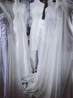Απολαύστε την συλλογή UNIQUE ΝΥΦΙΚΑ by Designer Lewaa. Ζήστε την μοναδική εμπειρία της υψηλής ραπτικής την πιο σημαντική μέρα της ζωής σας. #Νυφικά #AtelierTsourani #DesignerLewaa #ΜοναδικάΝυφικά #ΧειροποίηταΝυφικά #ΜοντέρναΝυφικά #WeddingDress Handmade Wedding Dresses, Romantic, Bridal, Design, Atelier, Brides, Bride, Bridal Gown