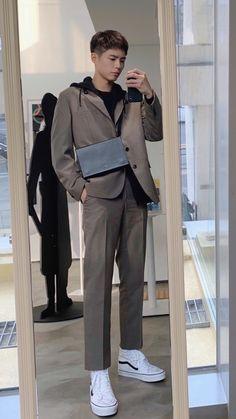 Korean Outfit Street Styles, Korean Outfits, Asian Actors, Korean Actors, Park Bo Gum Wallpaper, Korean Men Hairstyle, Park Go Bum, Korean Boys Ulzzang, Tennis Fashion