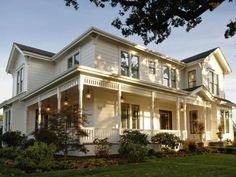 26 Popular Architectural Home Styles | Home Exterior Projects - Painting, Curb Appeal, Siding & More | DIY