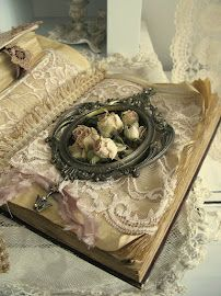 Beautiful lacy book♥.•:*´¨`*:•♥.